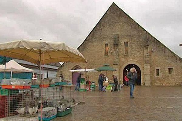 La halle de Saint Pierre sur Dives et son marché hebdomadaire