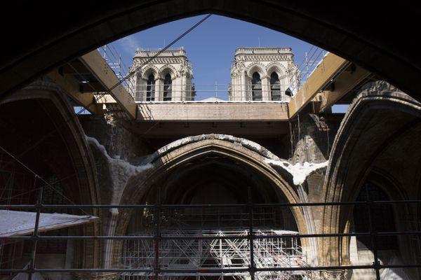 Avril 2021 – Croisée du transept à Notre-Dame.