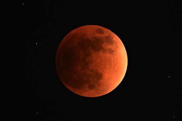 Image d'archive : une éclipse partielle lune au Venezuela en 2015