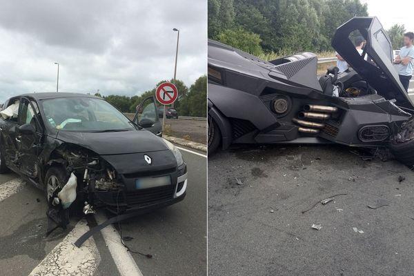 La Scenic et la Batmobile accidentées samedi à Téteghem, près de Dunkerque.