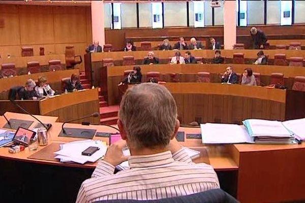 Les élus ont débattu jusqu'à 1 heure du matin.