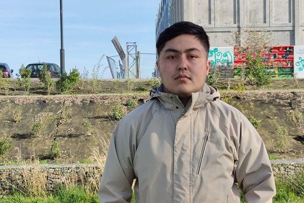Le journaliste Elyaas Ehsas est menacé d'expulsion vers la Suède, puis vers son pays d'origine l'Afghanistan, où il est en danger de mort.