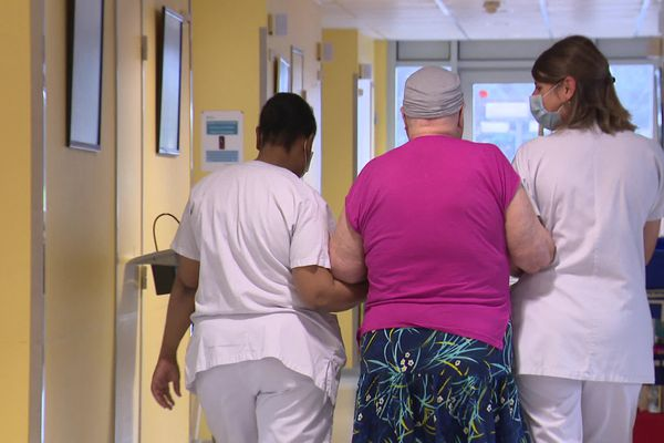 Une centaine de patients du centre hospitalier d'Angoulême va être réorientée vers d'autres établissements.