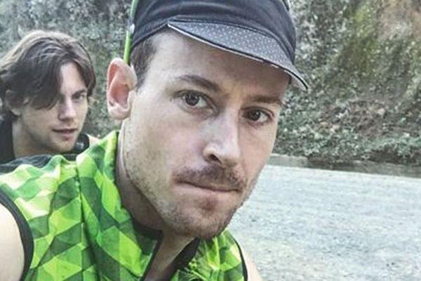 Axel Carion et Andreas Fabricius sur les routes de Colombie, opération Bikingman