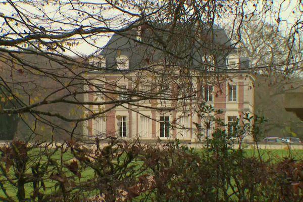 Le château de l'Etoile à Authon (Loir-et-Cher) : dernière demeure de Valéry Giscard d'Estaing
