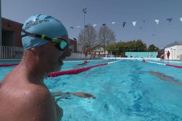 A Toulouse, on peut nager dans l'un des deux bassins nordiques de la ville (ici à la piscine Bellevue) à condition d'avoir réservé un créneau horaire