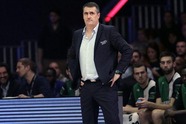"""L'entraîneur du CBC, Antoine Michon: """"on est en soin, mais on n'est pas guéri"""""""