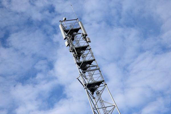 4G ou 5G, les antenne relais de téléphonie sont régulièrement la cible de dégradations volontaires.