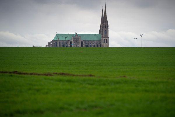 Les bénéfices serviraient notamment à la rénovation des vitraux de la cathédrale.
