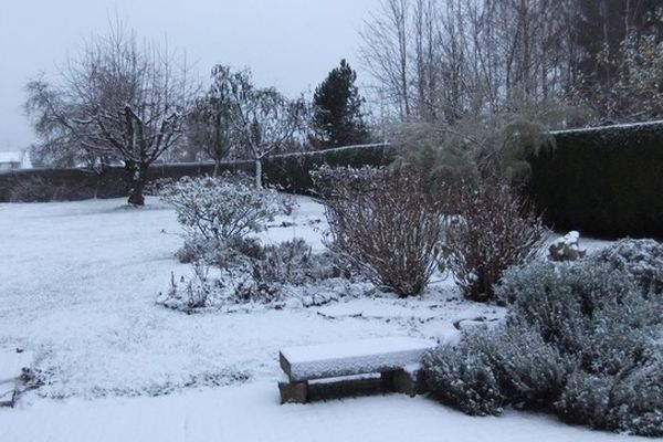 De la neige à Bavay ce lundi matin.