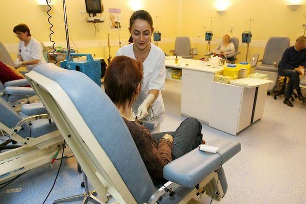 Des malades corses, atteints de certaines pathologies, comme le cancer, sont obligés de se rendre sur le continent pour recevoir des soins.