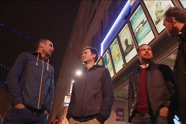 Ces quatre spectateurs réagissent après le film.