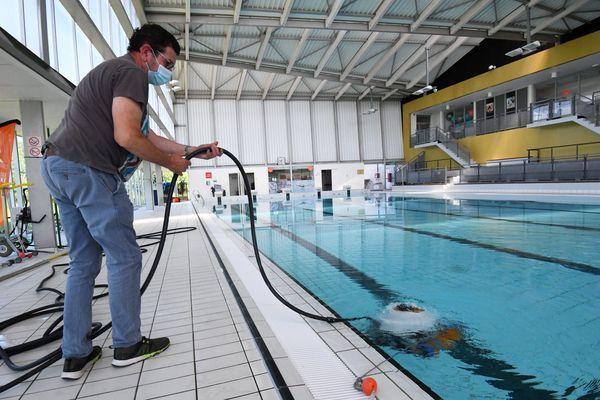 Les piscines et centres aquatiques doivent d'abord établir un protocole sanitaire avant d'ouvrir leur site.