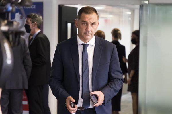 Gilles Simeoni, président du Conseil exécutif de Corse, a voté pour Carole Delga, élue à l'unanimité à la présidence de l'association Régions de France