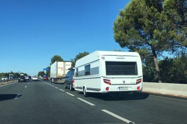 Le trafic est déjà dense ce samedi 13 juillet au matin sur l'autoroute A 9 entre Nîmes et Montpellier en raison de la première vaque de départ en vacances.