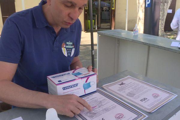Coronavirus : un entrepreneur marseillais distribue des masques avec les normes requises