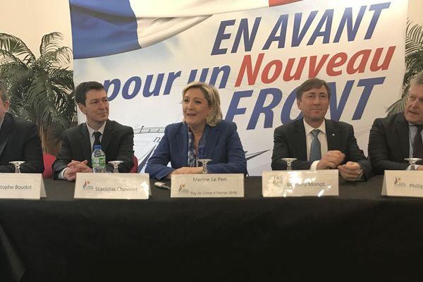 """Au cœur des débats la politique d'Emmanuel Macron, """"l'insécurité qui règne en France"""" selon Marine Le Pen."""