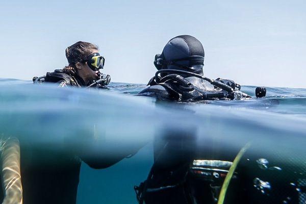 En Corse, la plongée sous-marine attire de nombreux vacanciers. Ils sont nombreux à se rendre dans des clubs nautiques pour s'initier à la pratique.