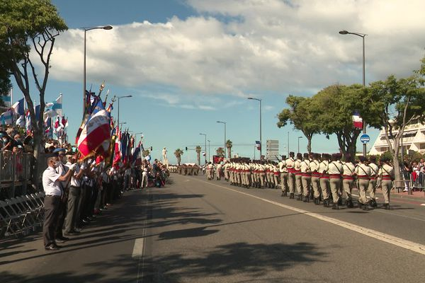 700 personnes ont participé au défilé devant les Marseillais venus en nombre.