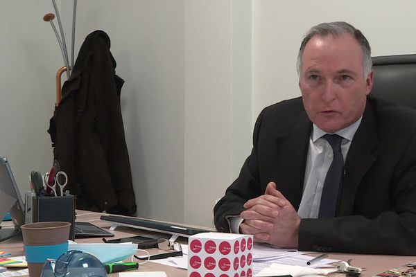 """""""nous sommes en état de répondre aux sollicitations des étudiants"""" assureChristian Chazal, directeur général du CROUS de Lyon"""