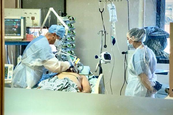 A Guéret, le service de réanimation a été réorganisé de façon à avoir une unité Covid 19 séparée des autres patients.