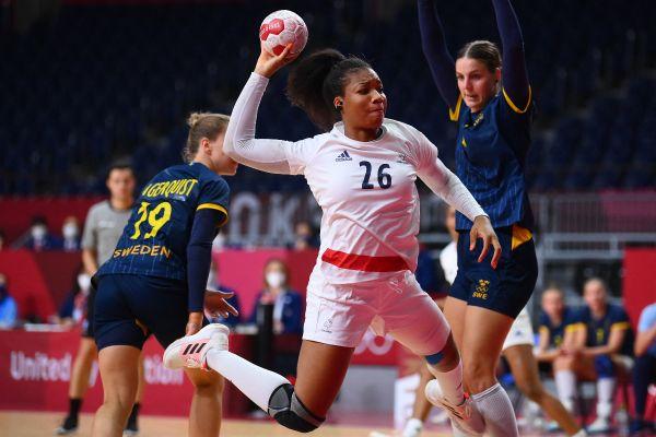 La handballeuse loirétaine Pauletta Foppa lors de la demi-finale des JO de Tokyo face à la Suède.