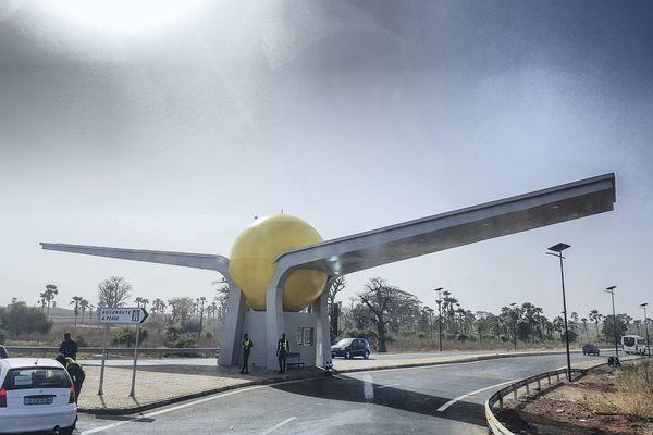 Le nouvel aéroport international de Dakar éclairé par la société du Lot-et-Garonne