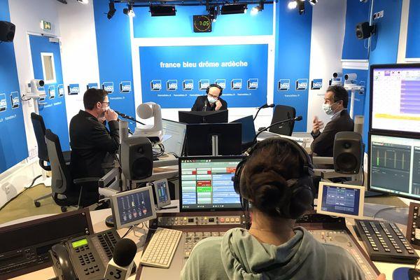 France Bleu Drôme Ardèche s'écoute à la radio, mais se regarde désormais aussi à la télévision à partir de ce mardi 9 mars