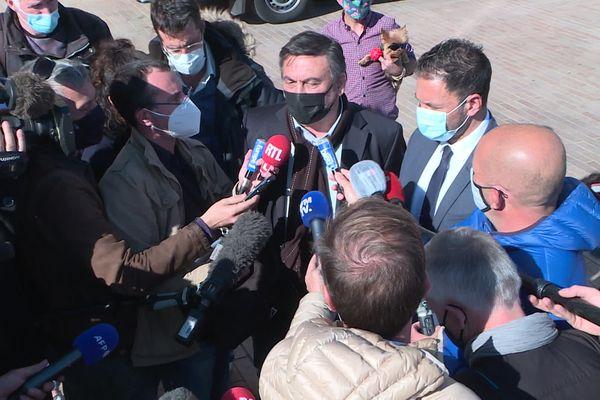 L'adjoint à la Culture et l'adjoint en charge de la Tranquilité publique en conférence de presse.