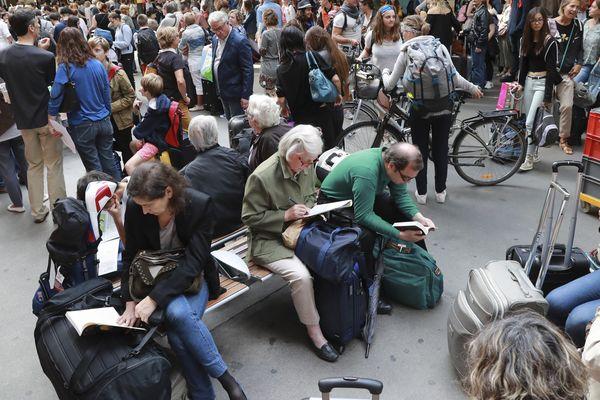Les voyageurs en gare Montparnasse le 30 juillet 2017