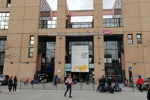 Gare Lyon Part Dieu - Sortie Villette