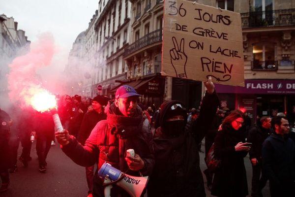 Des manifestants lors de la mobilisation du 9 janvier à Paris.