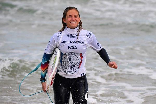 Pauline Ado, championne de surf du Pays basque, raconte son confinement, depuis la Nouvelle-Zélande.