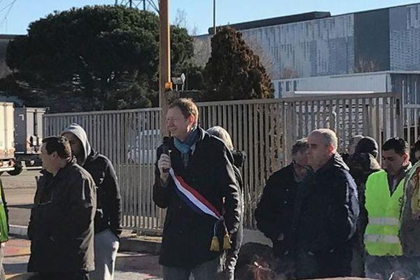 Pierre Dharréville avec les salariés de Fos-sur-Mer