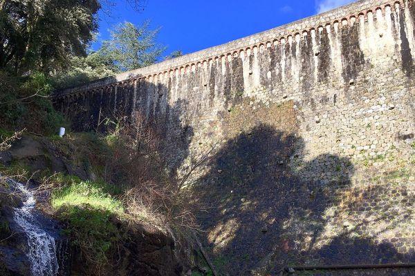 Aude : le barrage de Cenne-Monestiésentre Carcassonne et Castelnaudary devenu dangereux a besoin d'être consolidé. Il a été construit en 1883 - janvier 2019.
