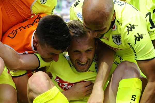 La joie des Angevins après l'ouverture du score de Mateo Pavlovic, à la 92 ème minute.