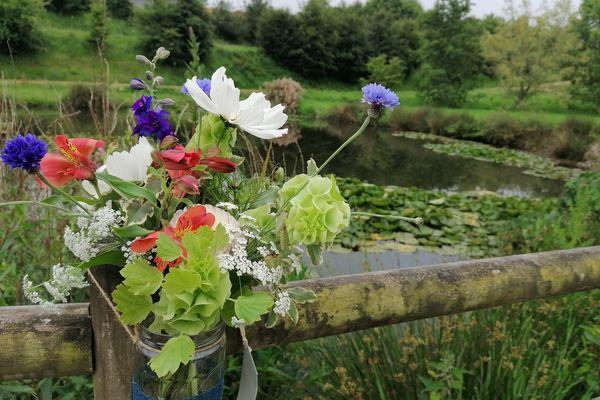 Un bouquet déposé dans le Finistère, à trouver et réalisé par Magali