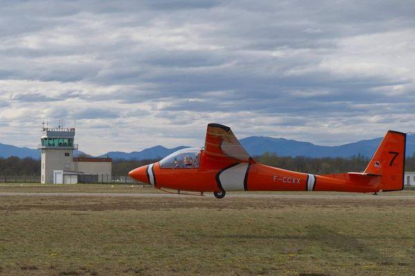 """Reconstruit par des passionnés à partir de deux planeurs abimés, """"Némo"""" a volé pour la première fois le 14 avril 2021."""