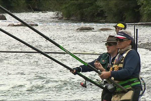 Arreau dans les Hautes-Pyrénées accueille le 25e championnat du monde de pêche à la truite tout le week-end du 1er et 2 juillet. 50 compétiteurs s'affrontent.