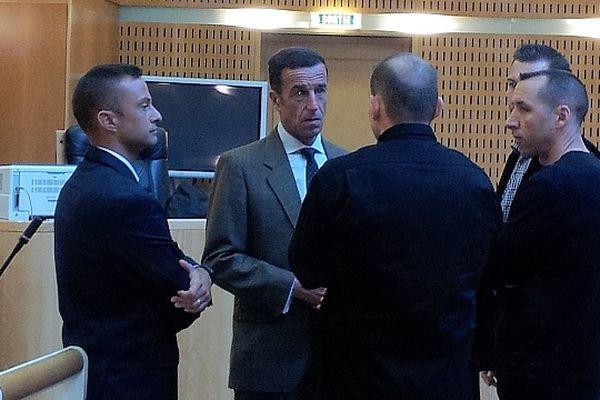 Montpellier - 5 des 6 militaires accusés de négligence, laxisme et défaut d'organisation, à l'issue du procès de la fusillade du 3e RPIMa - 12 avril 2013.