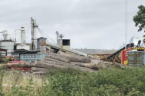 Aucune victime n'est à déplorer dans l'incendie qui a frappé l'entreprise Tecsabois, à Coullons (Loiret)