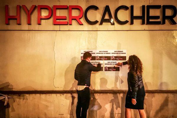 Des lieux symboliques ont été choisis, comme l'Hyper Cacher de la Porte de Vincennes.