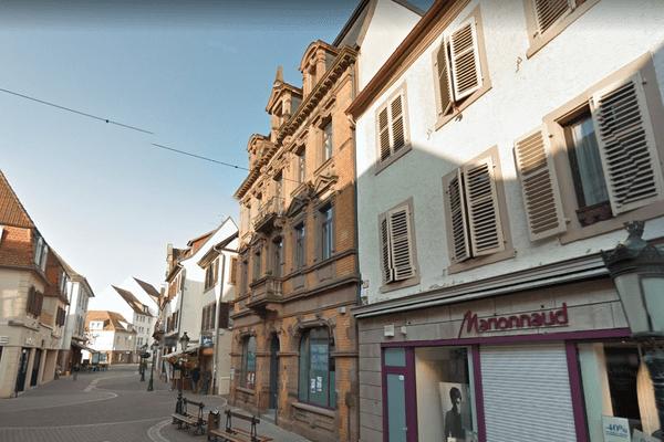 Un incendie s'est déclaré au premier étage du n°39 de la Grand Rue d'Haguenau, samedi 24 mars.
