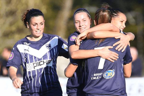 Premier des 5 buts des Féminines des Girondins de Bordeaux face à Angers, le 1er novembre 2015