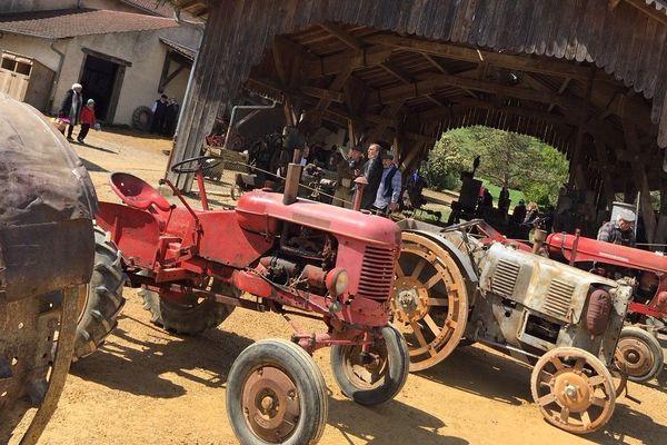 Exposition de vieux tracteurs