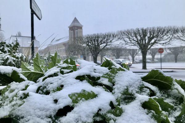 """La neige s'est invitée ce lundi 8 février 2021 sur le """"plateau"""" de Mondeville, Calvados."""