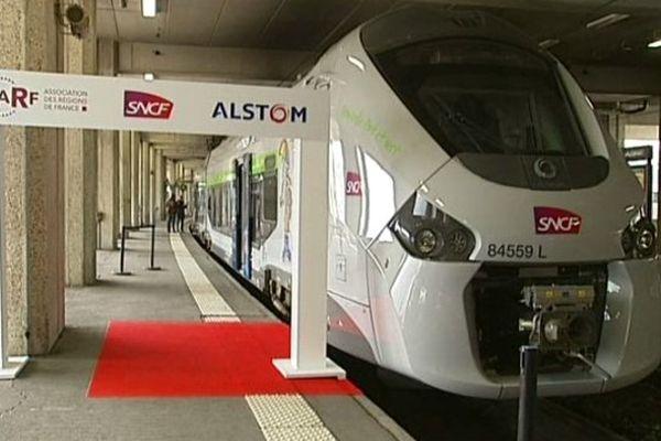 Voici la nouvelle génération de TER : le Régiolis. Présenté mardi à Paris, il circulera en Auvergne à partir de 2016.
