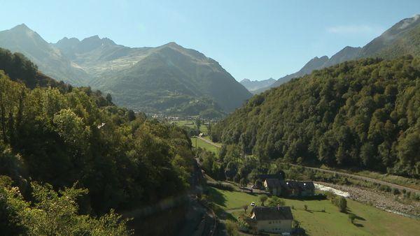 Fermeture des gorges de Luz dans les Hautes-Pyrénées, des perturbations et la grogne des habitants dans la vallée