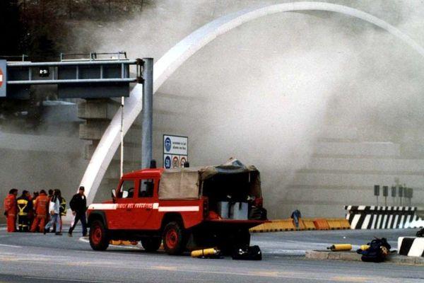 Photo prise le 26 mars 1999 côté italien à Courmayeur.