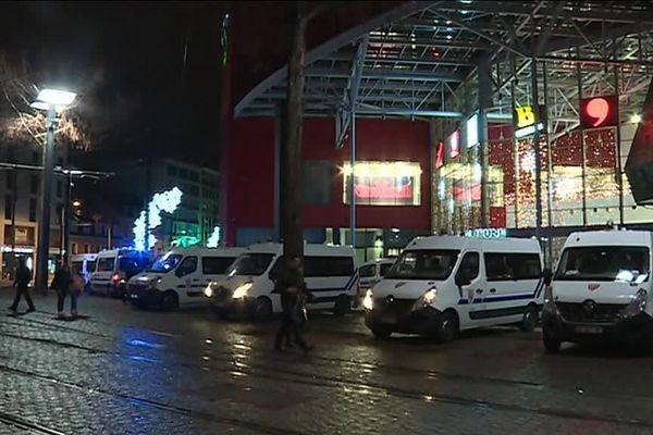 Le centre commercial Porte Jeune, à Mulhouse, ce samedi 8 décembre.